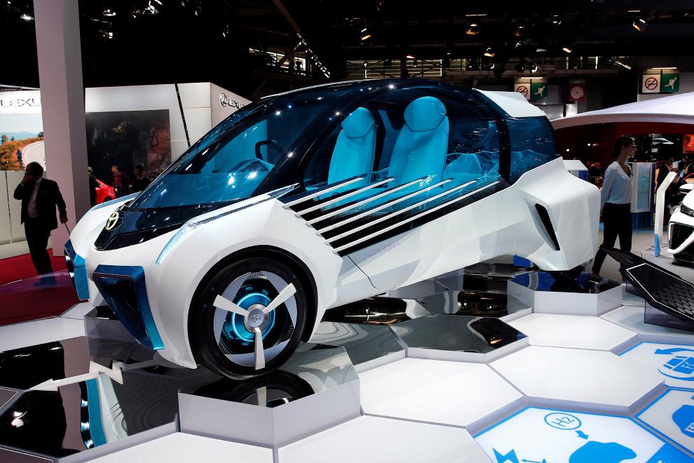 Тойота FCV Plus