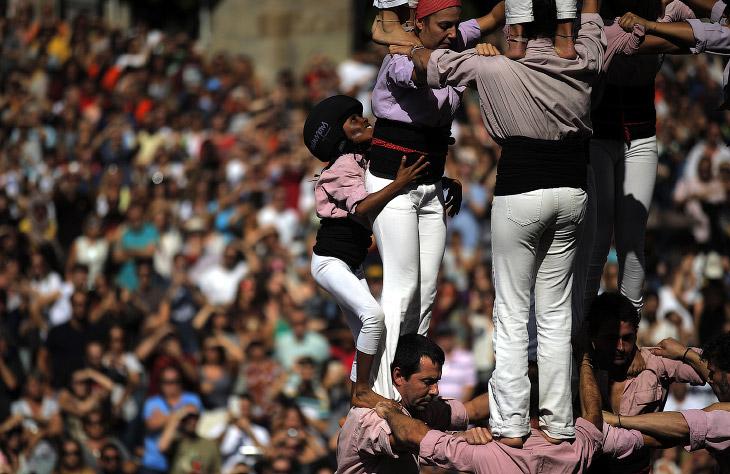 Человеческие башни в Каталонии
