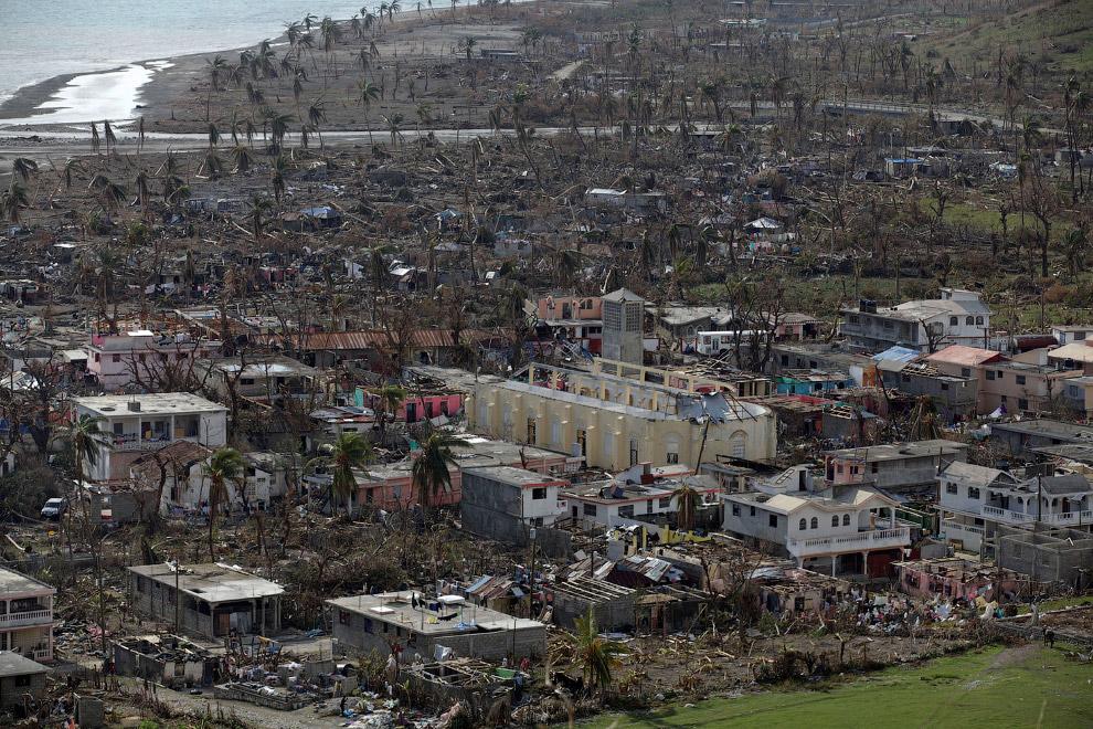 Дома, разрушенные ураганом Мэтью на Гаити