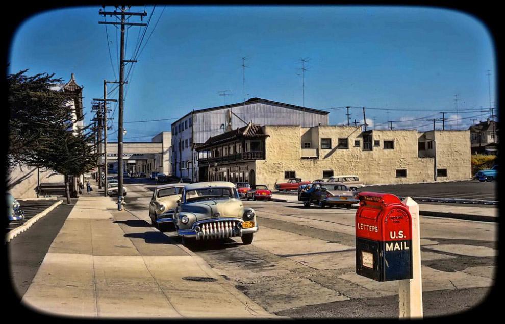 Почтовый ящик в двухцветной окраске, Лос-Анджелес, 1960 год.