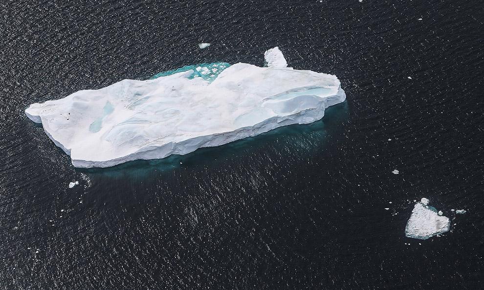 Айсберг у берегов Западной Антарктиды