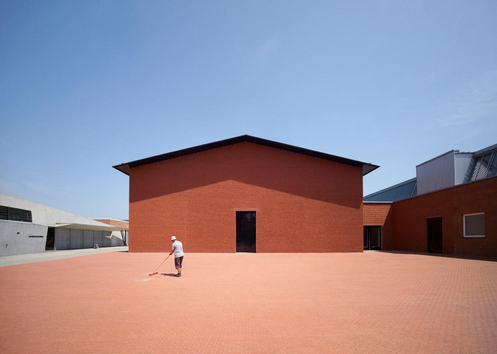 Здание музея-выставки для мебельной компании Vitra, Германия