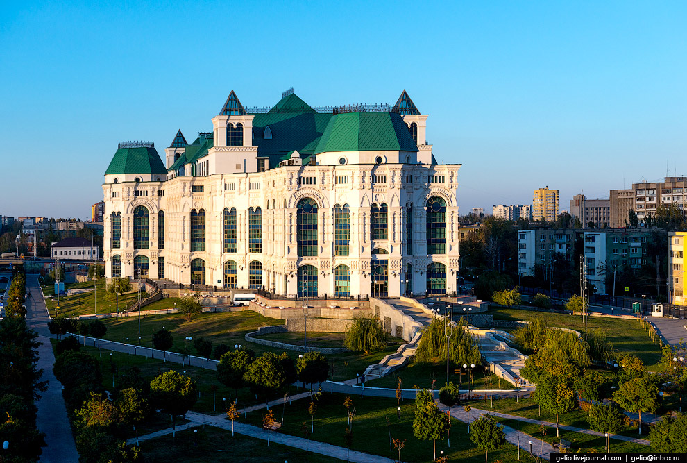 Астраханский государственный театр оперы и балета.