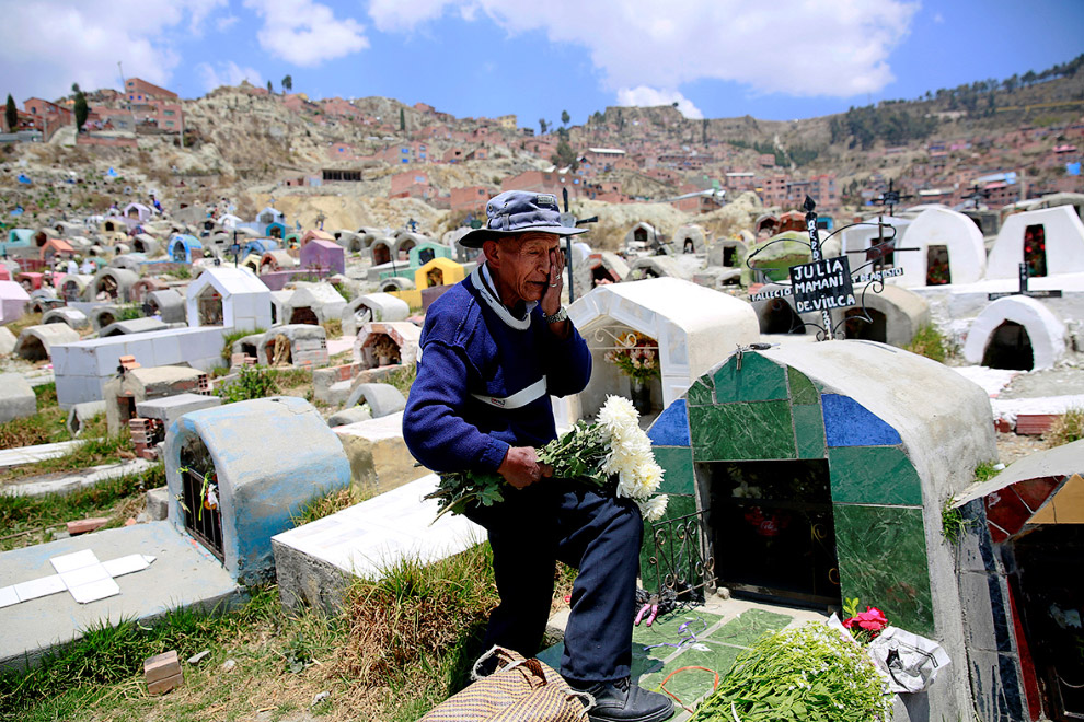 На кладбище в Боливии