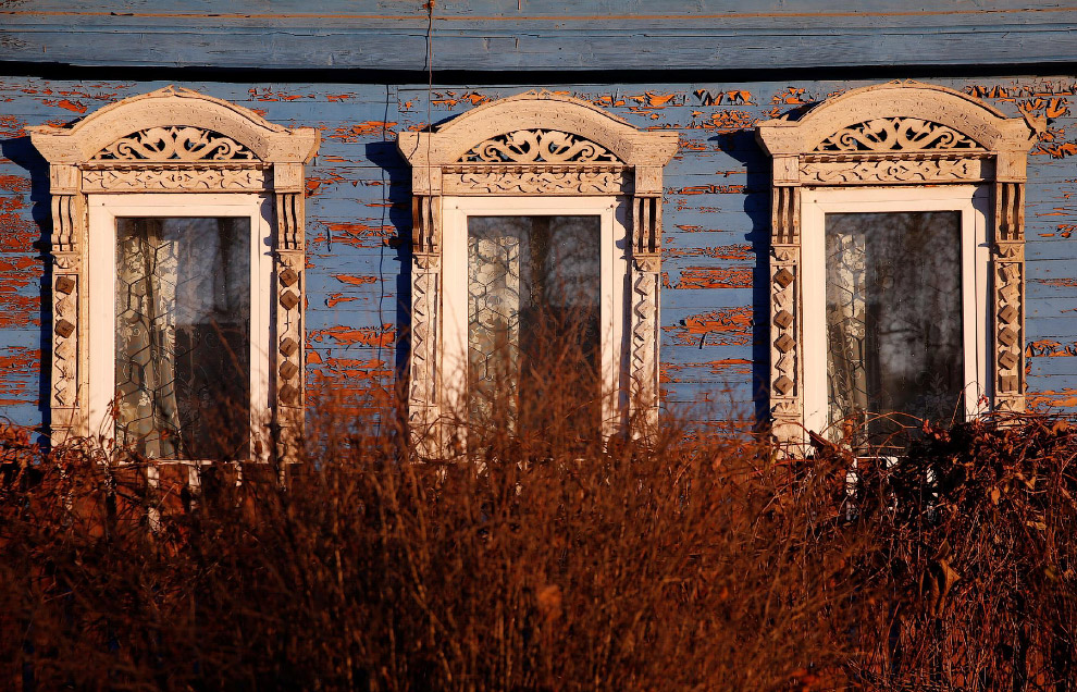 Деревянный дом в Ярославской области России