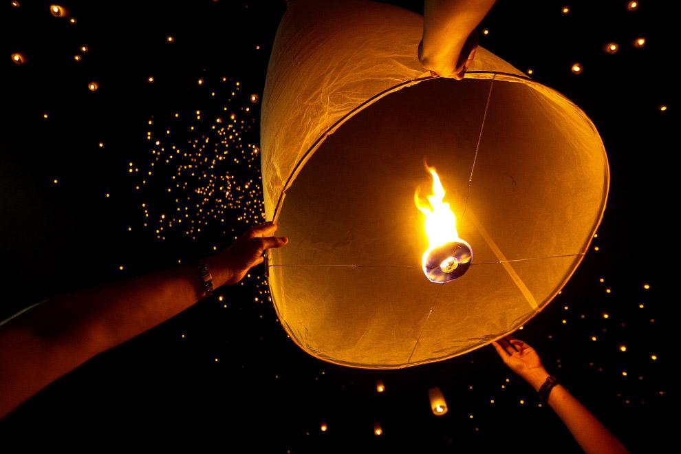 Фестиваль небесных фонариков в Таиланде