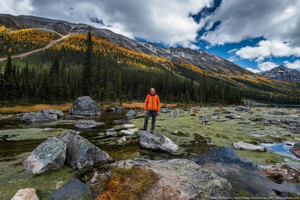 Озеро Морейн — ледниковое озеро в Национальном парке Банф