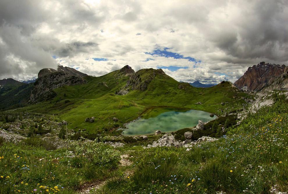 перевал Вальпарола и одноименное озеро
