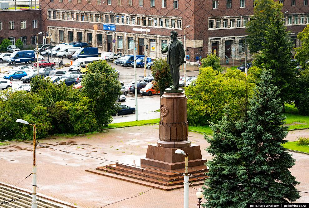Бронзовую скульптуру «всесоюзного старосты» Михаила Калинина