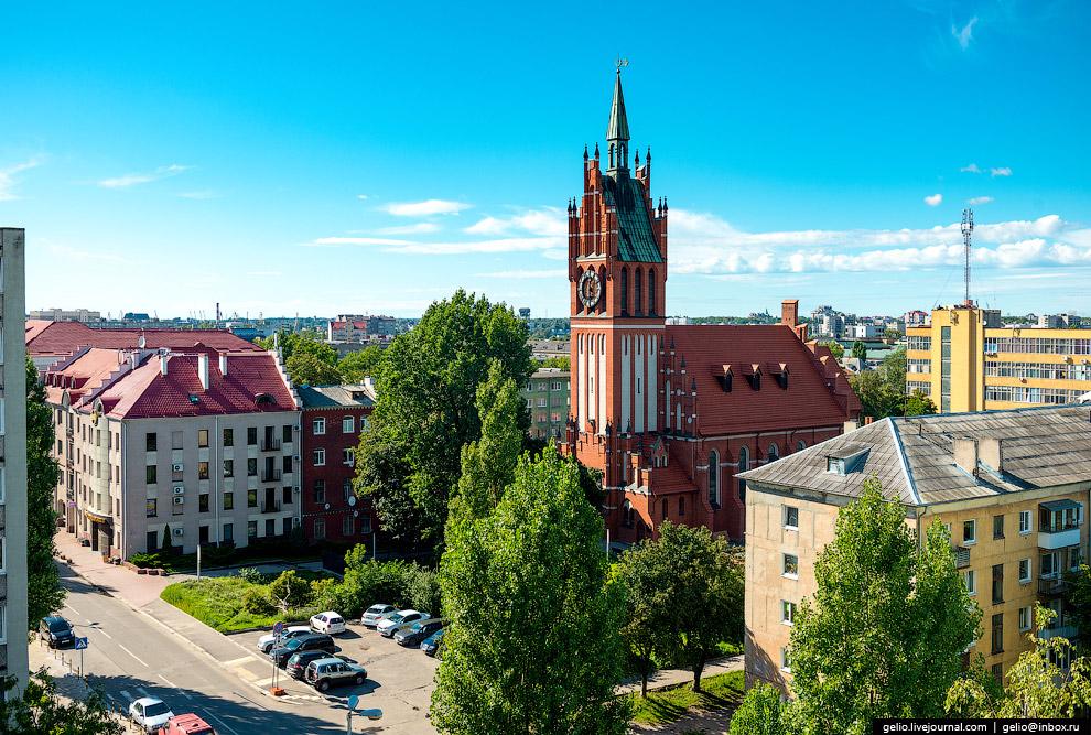 Кирха Святого Семейства была построена в 1907 году