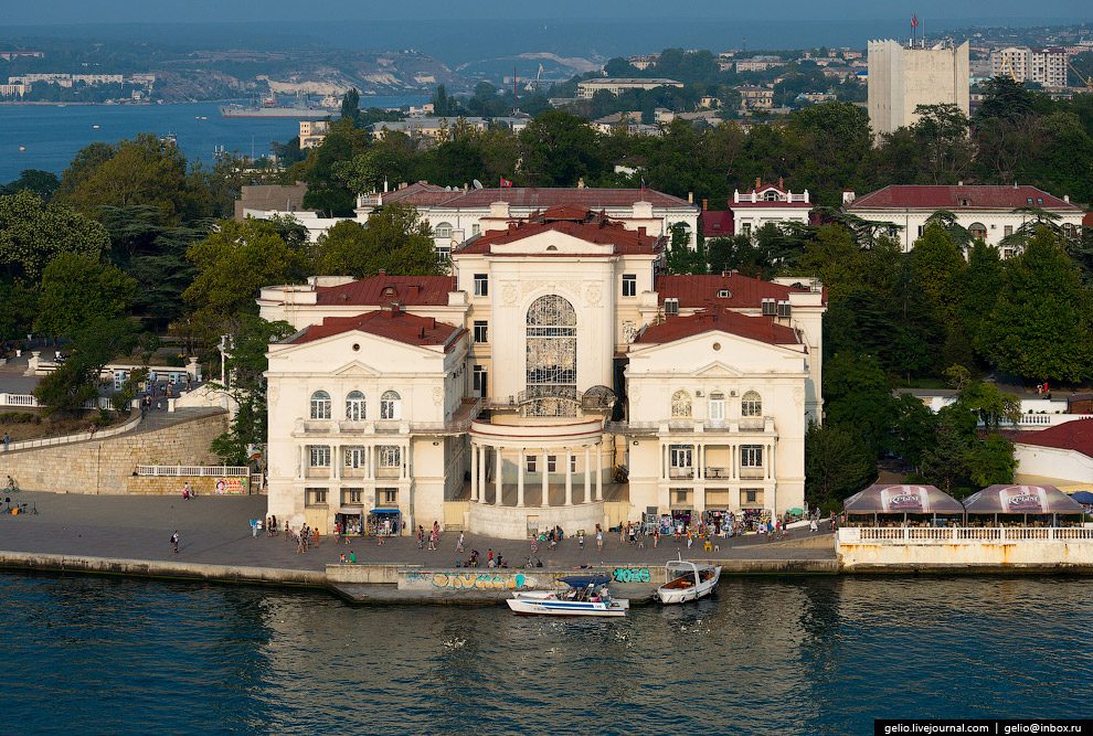 Севастополя. Дворец детства и юности