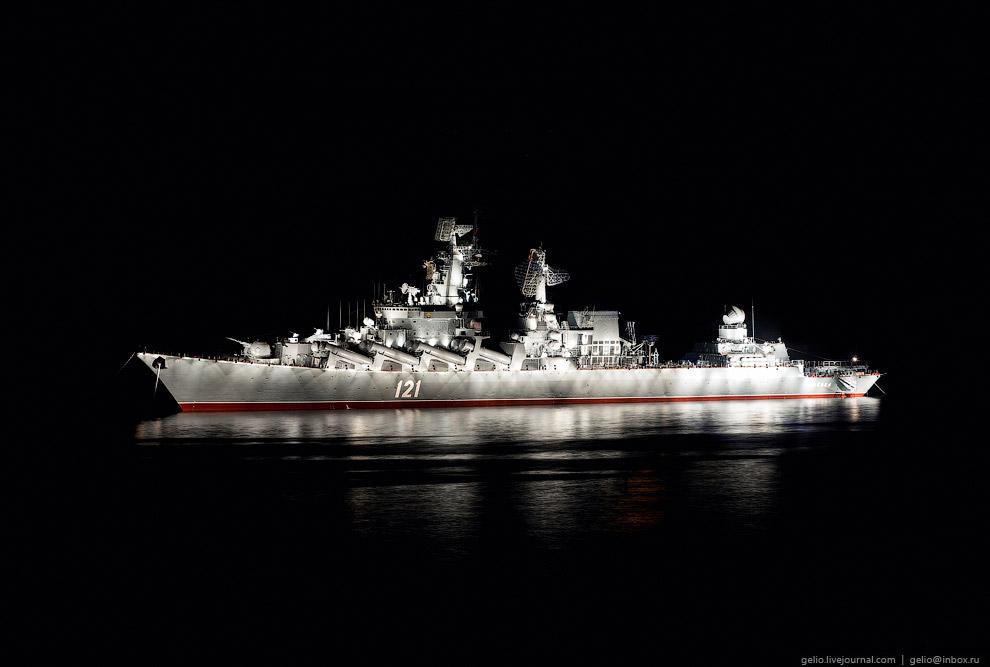 Ордена Нахимова гвардейский ракетный крейсер «Москва»