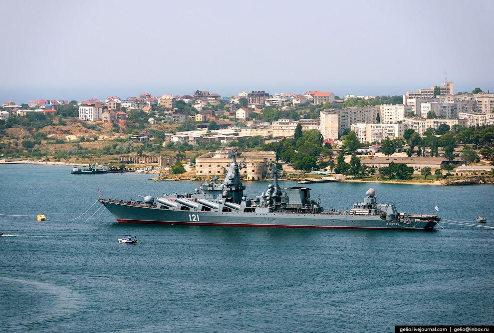 Ракетный крейсер «Москва» — флагман Черноморского флота.