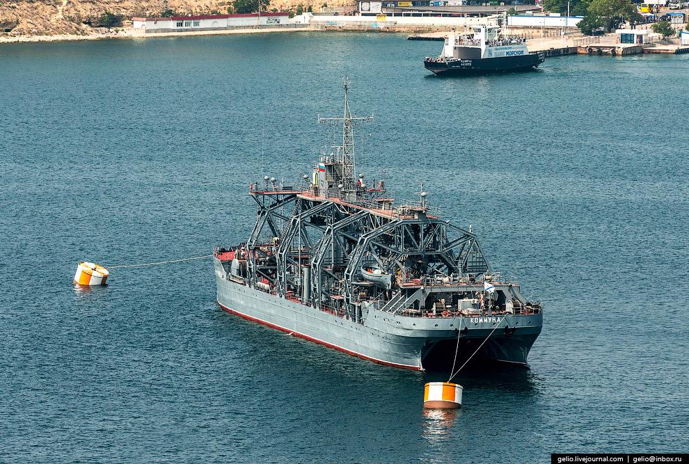«Коммуна» — спасатель подводных лодок