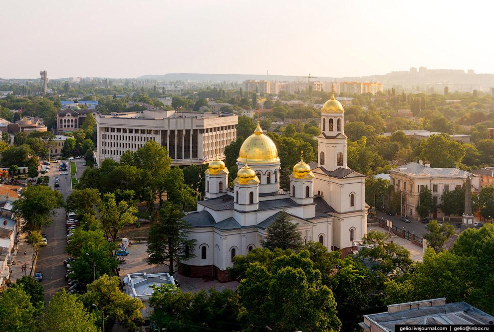 Восстановленный Александро-Невский кафедральный собор Симферополя