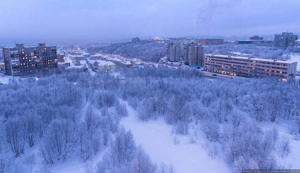 Парковый комплекс имени Олега Петровича Найдёнова — первого мэра Мурманска.