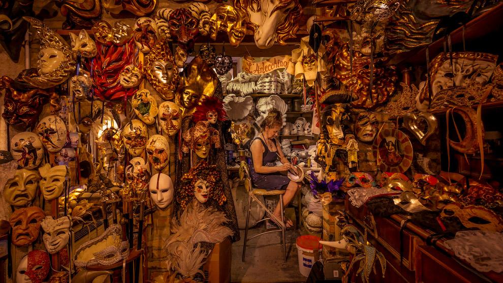 Изготовление венецианских масок