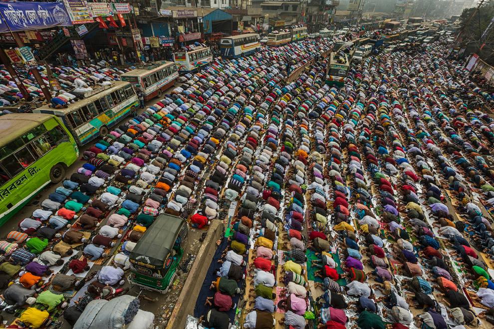 Молитва на дороге, Бангладеш