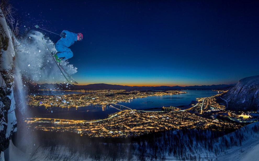 Прыжок лыжника с 10-метрового утёса в Тромсё, Норвегия