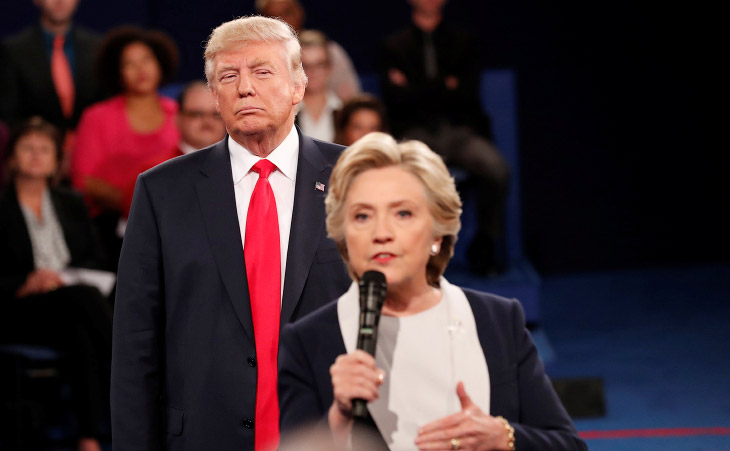 Дональд Трамп и Хиллари Клинтон общаются с аудиторией в Вашингтонском университете в Сент-Луисе