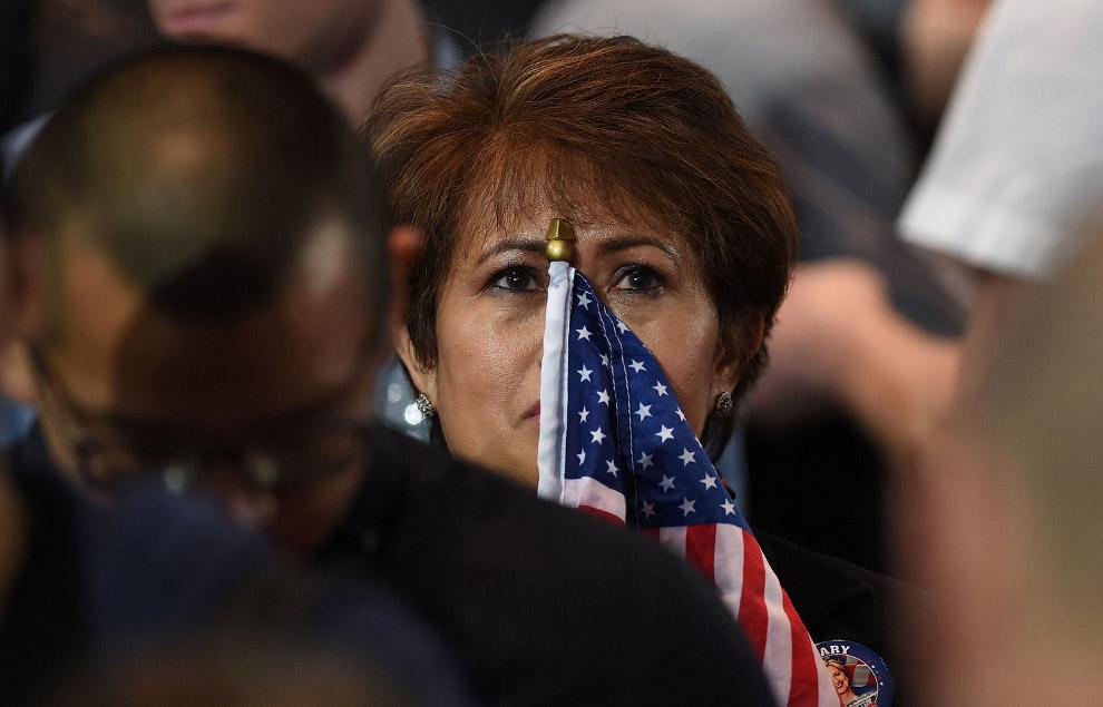 Сторонники Клинтон были не веселы