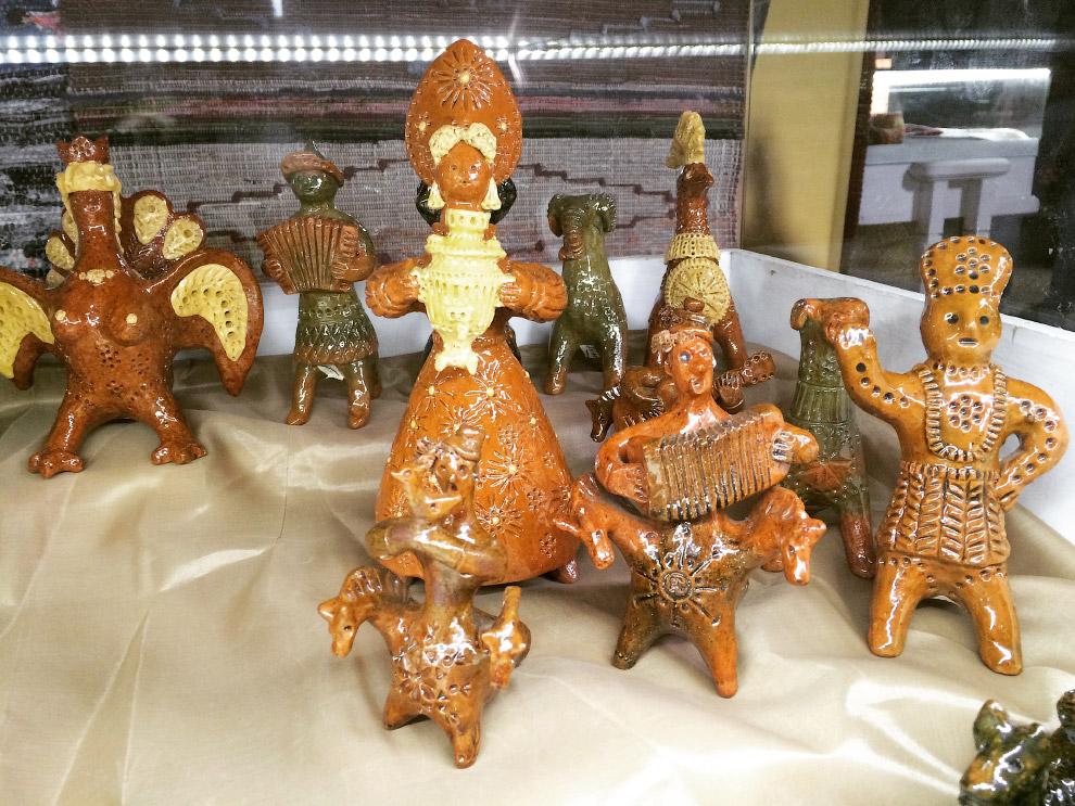 Петровская глиняная окарина (свистулька)