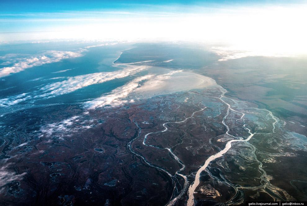 Дельта реки Селенга, впадающей в Байкал и обеспечивающей до половины ежегодного притока воды в озеро.