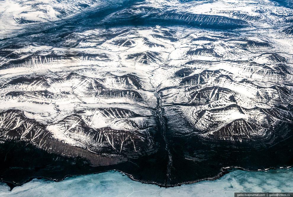 Плато Путорана — сильно расчленённый горный массив, расположенный на северо-западе Среднесибирского плоскогорья.