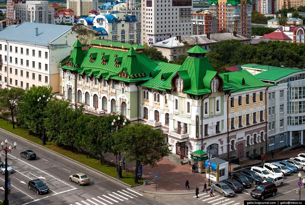 Одно из самых известных (и красивых) зданий Хабаровска — дом городского самоуправления