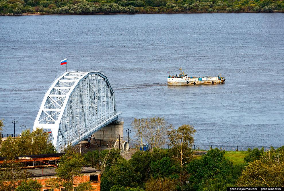 Исторический однопутный железнодорожный мост через Амур