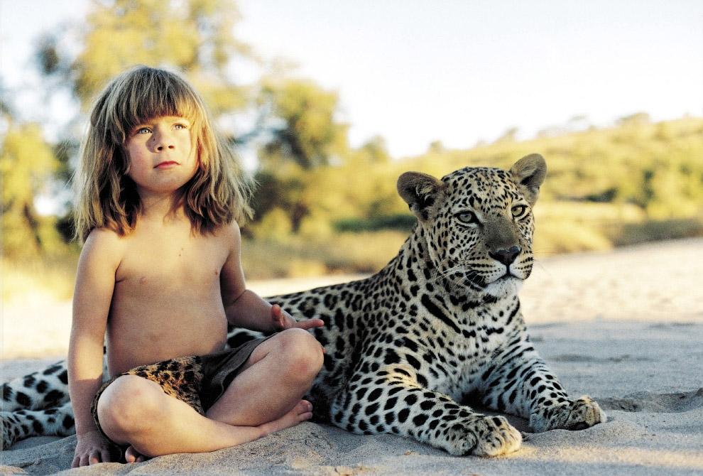 Типпи и её лучший друг леопард