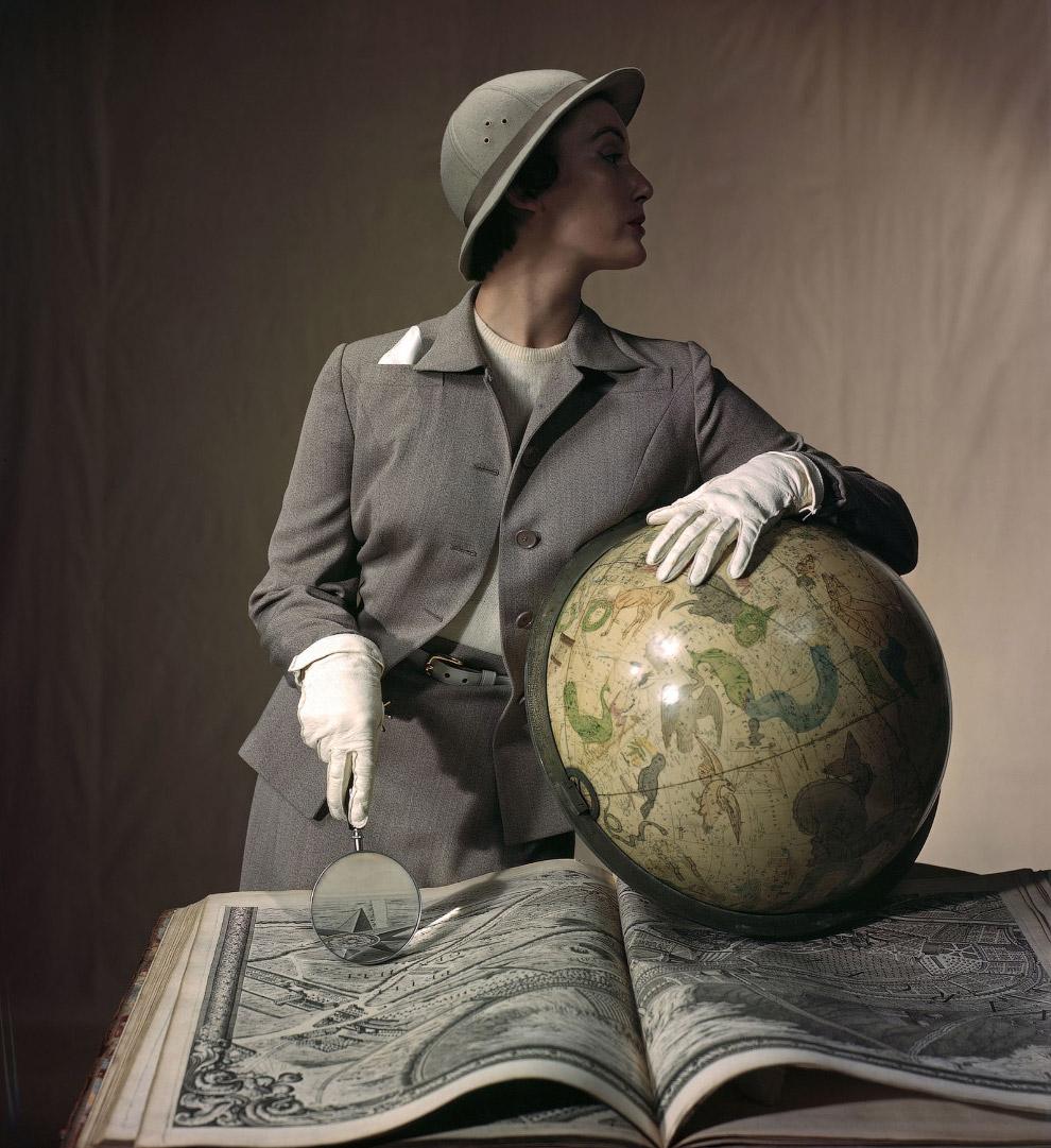 Модель Мэри Джейн Рассел позирует для августовского номера журнала Bazaar. Фото Луиза Даль-Вульф, 1949 год.