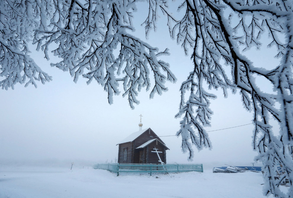 Церковь в поселке Красное