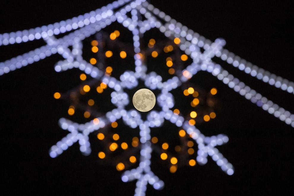 Последняя полная Луна в году в Корнуолле, Англия
