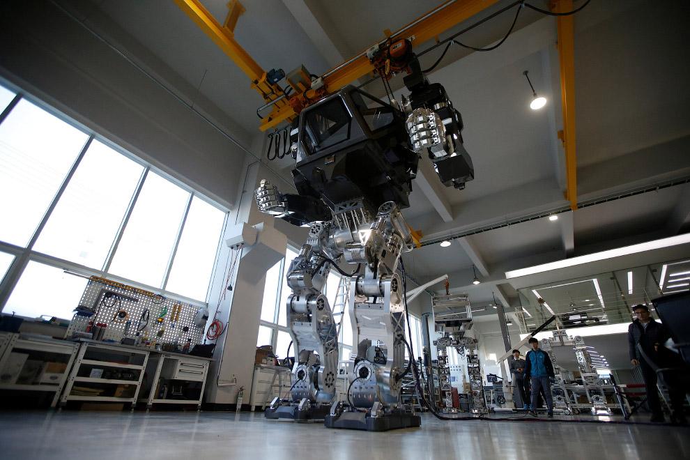Пилотируемый робот «Метод-2» в стиле «Аватара»