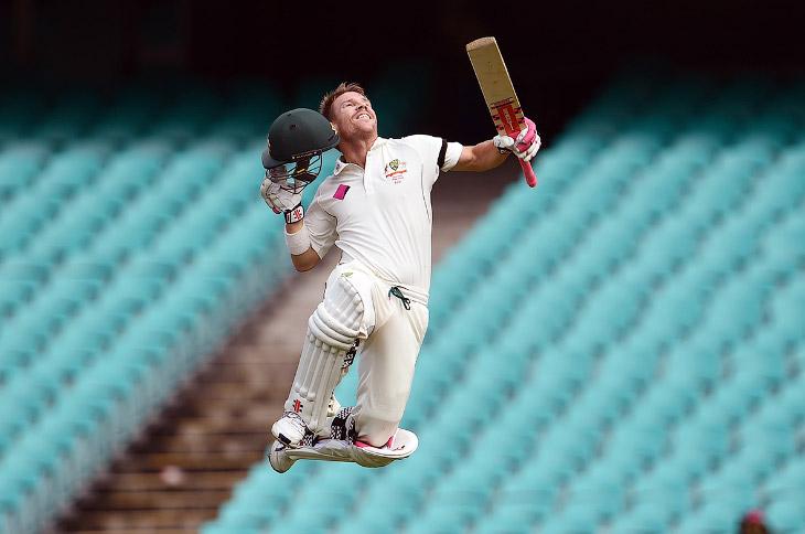 Летящий член сборной Австралии по крикету Дэвид Уорнер