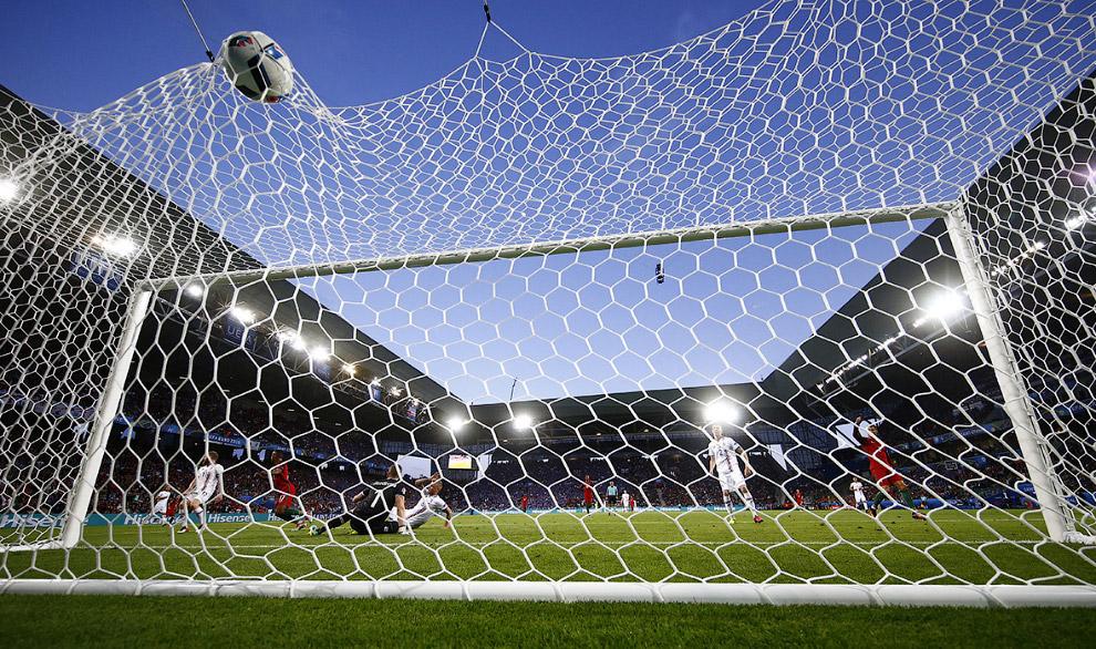 Португалия забивает Исландии на Евро-2016
