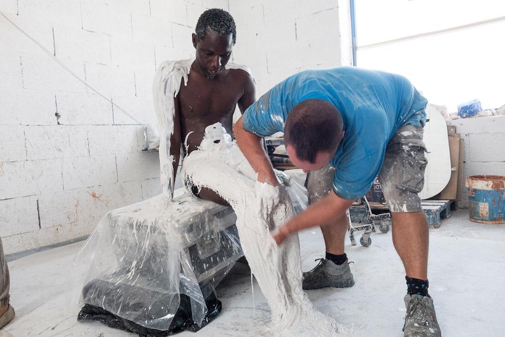 Процесс создания подводных скульптур