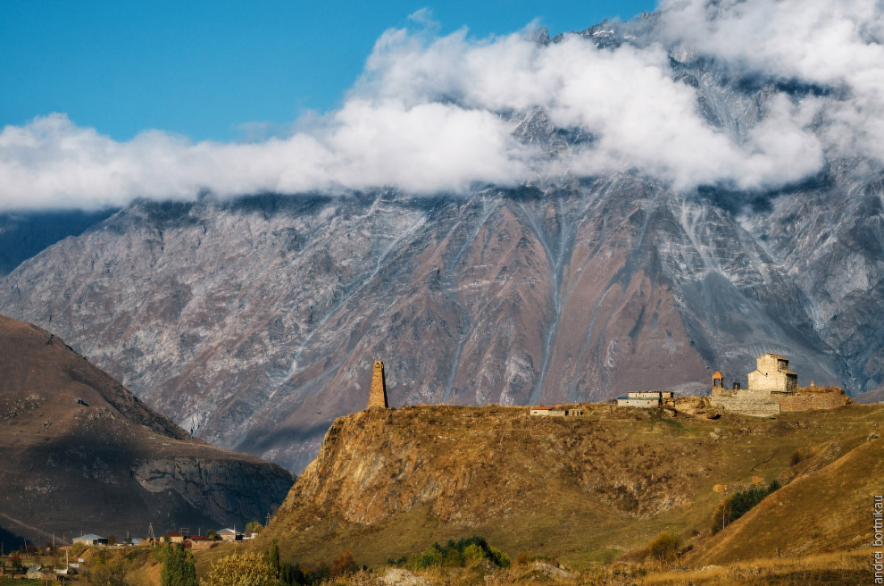 Сторожевая башня и Сионская церковь X век в селе Сиони