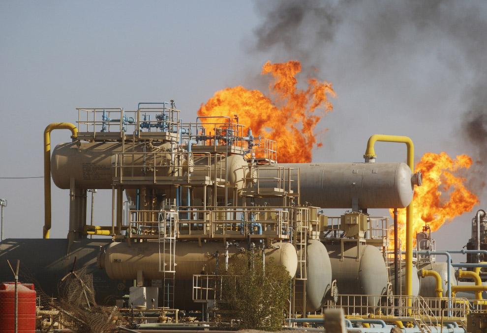 Нефть качают недалеко от Багдада в Ираке