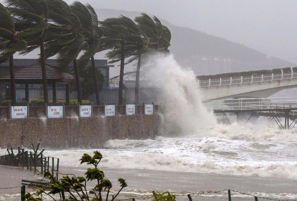 Тайфун «Сарика»