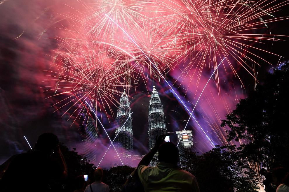 Новый год 2017 в Куала-Лумпур и башни Петронас