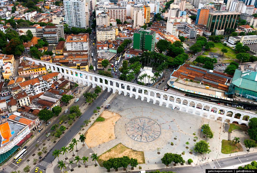 Акведук Кариока в центре Рио-де-Жанейро