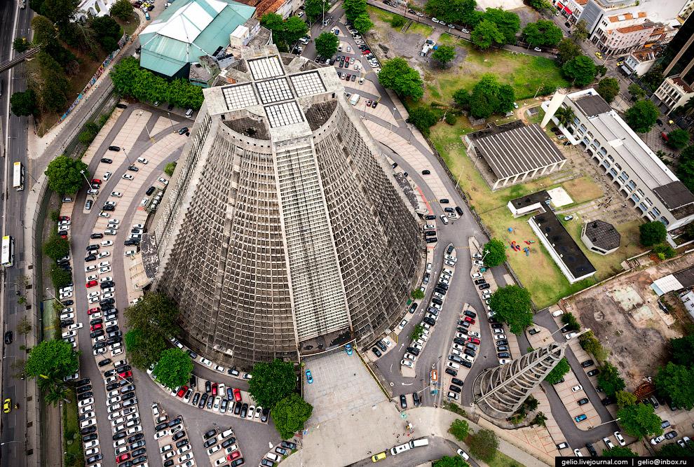 Монументальный Кафедральный собор Рио-де-Жанейро