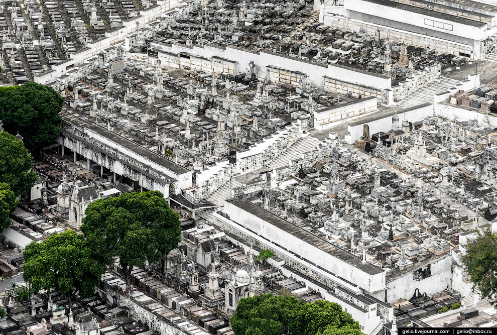 Бразильское кладбище.