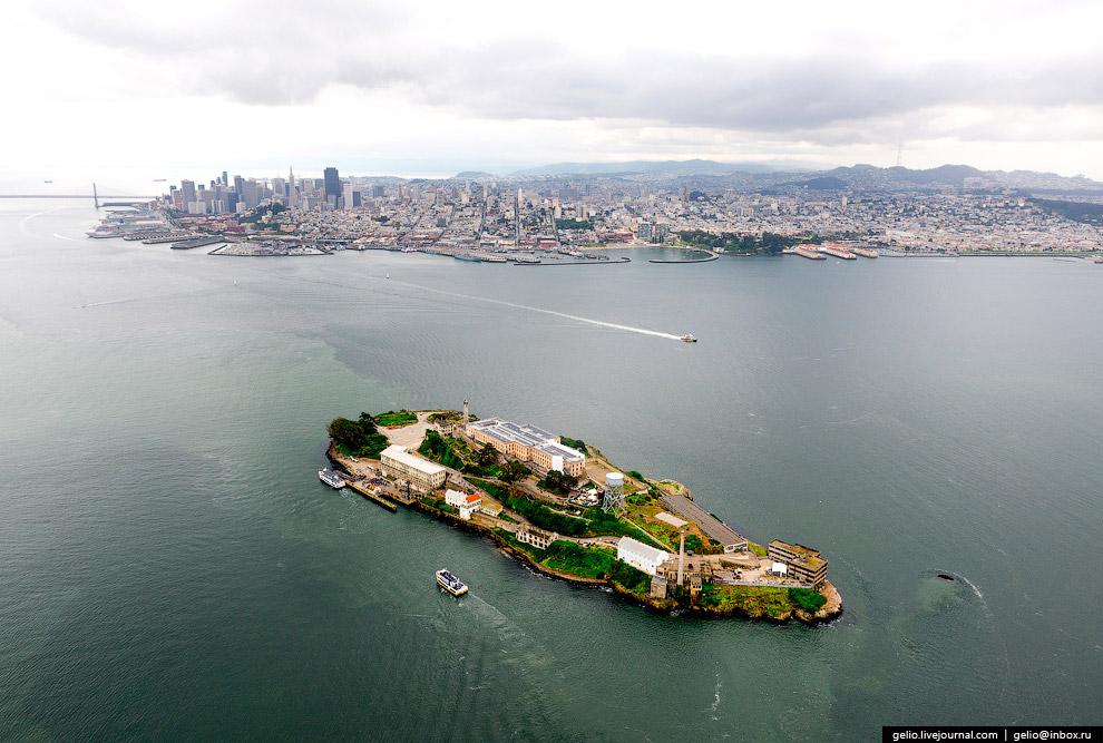 Остров Алькатрас (Alcatraz Island).