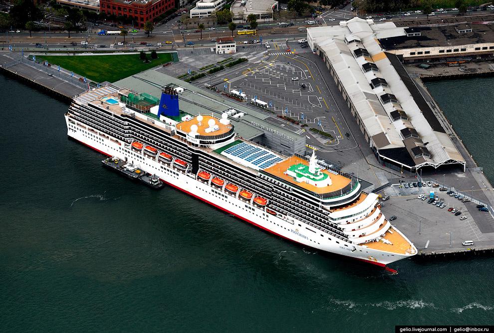 Океанский круизный лайнер MS Arcadia