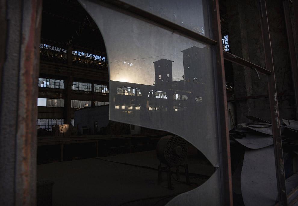 Заброшенные сталелитейные заводы выглядят не менее антуражно