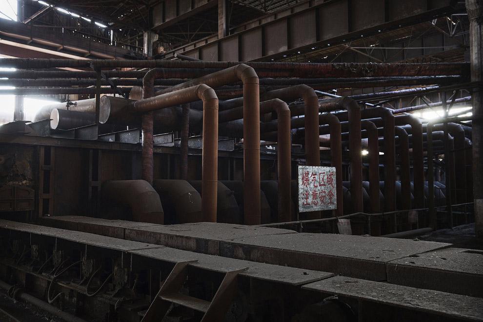 Заброшенный сталелитейный завод в Таншане