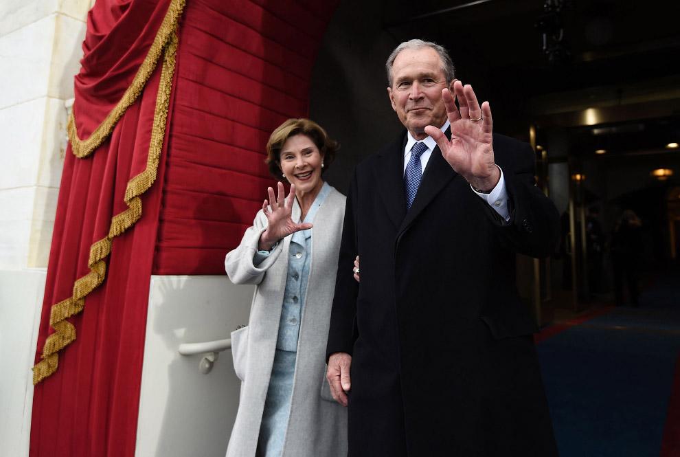 Бывший президент США Джордж Буш — младший с женой Лорой Буш